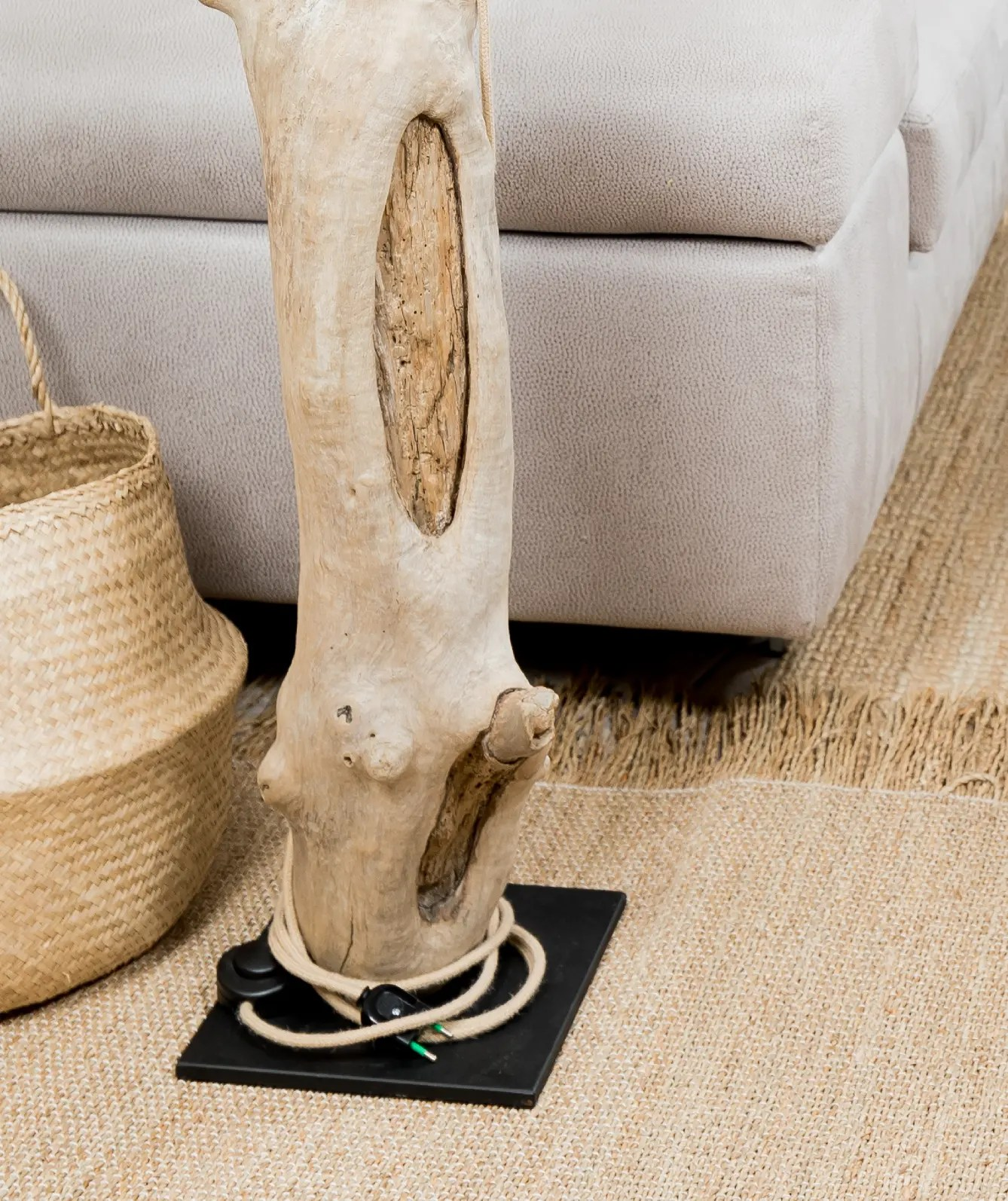 Lampadaire en bois flott avec abat jour vendu ambiance - Boutique bois flotte ...