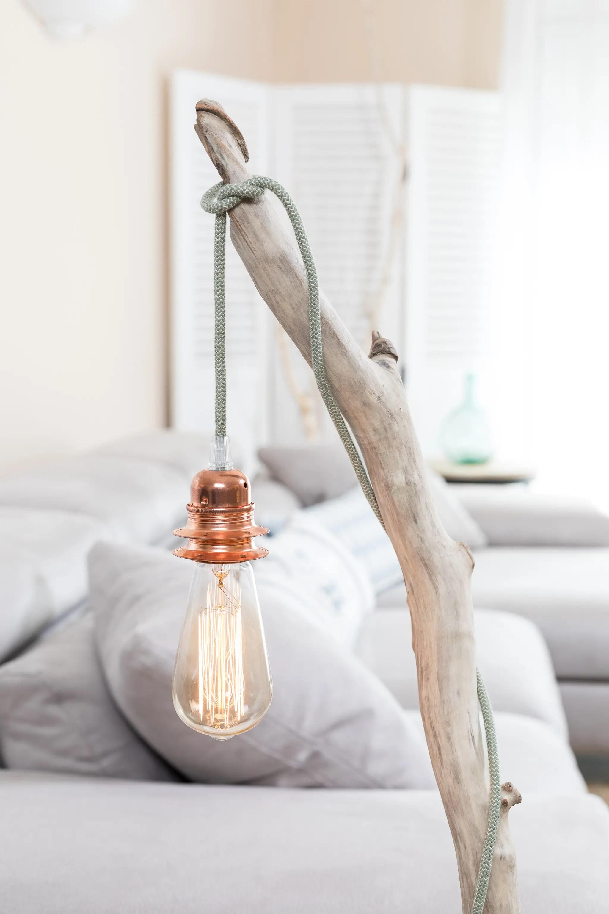 Lampe en bois flott et ampoule edison ambiance nature for Boutique bois flotte