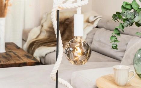 Lampe de table potence métal noir corde coton blanc