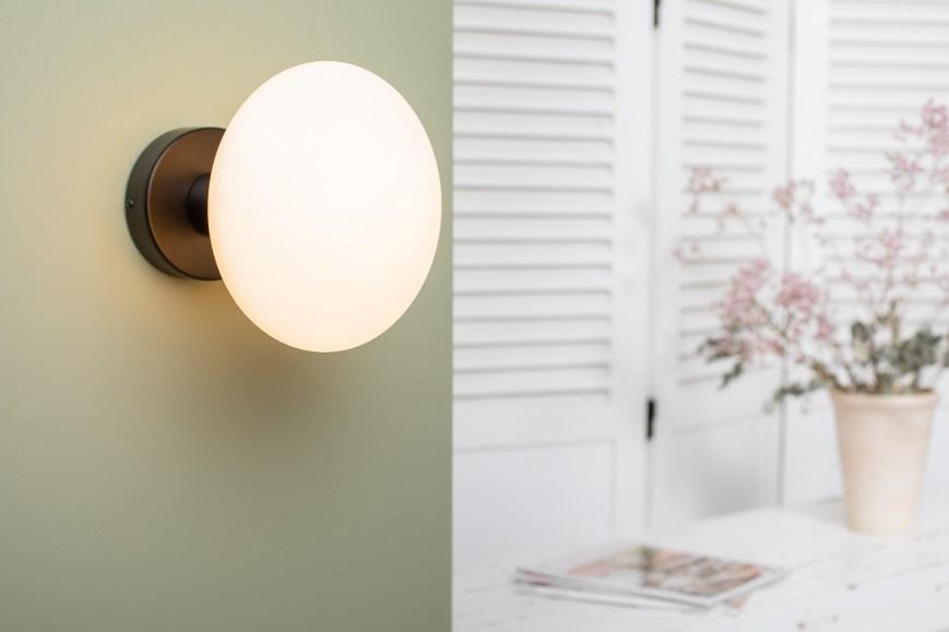 Applique bois noir ampoule porcelaine idra
