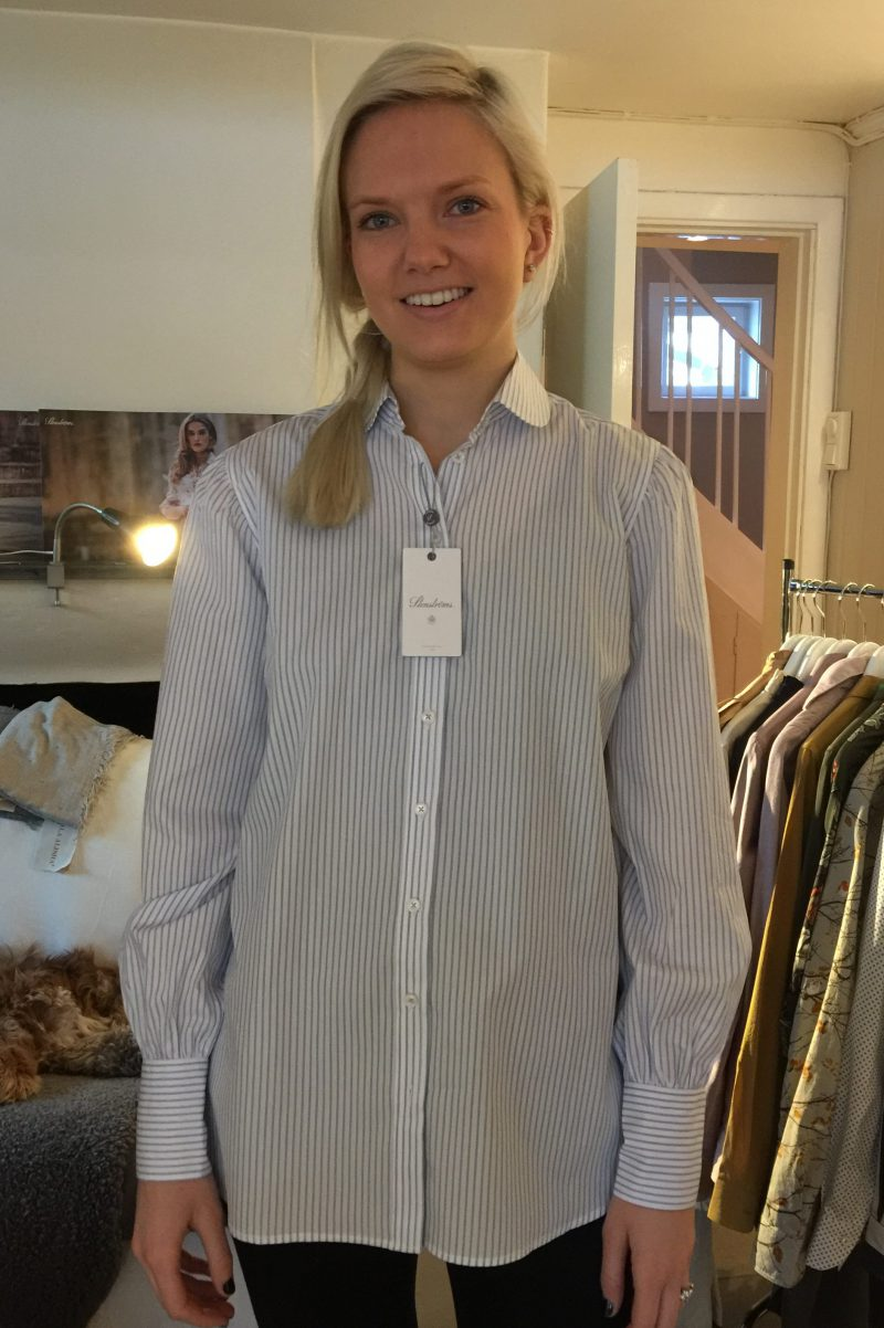 Lyseblåstripet skjorte med rund krave Stenstrøms - 272242 6475