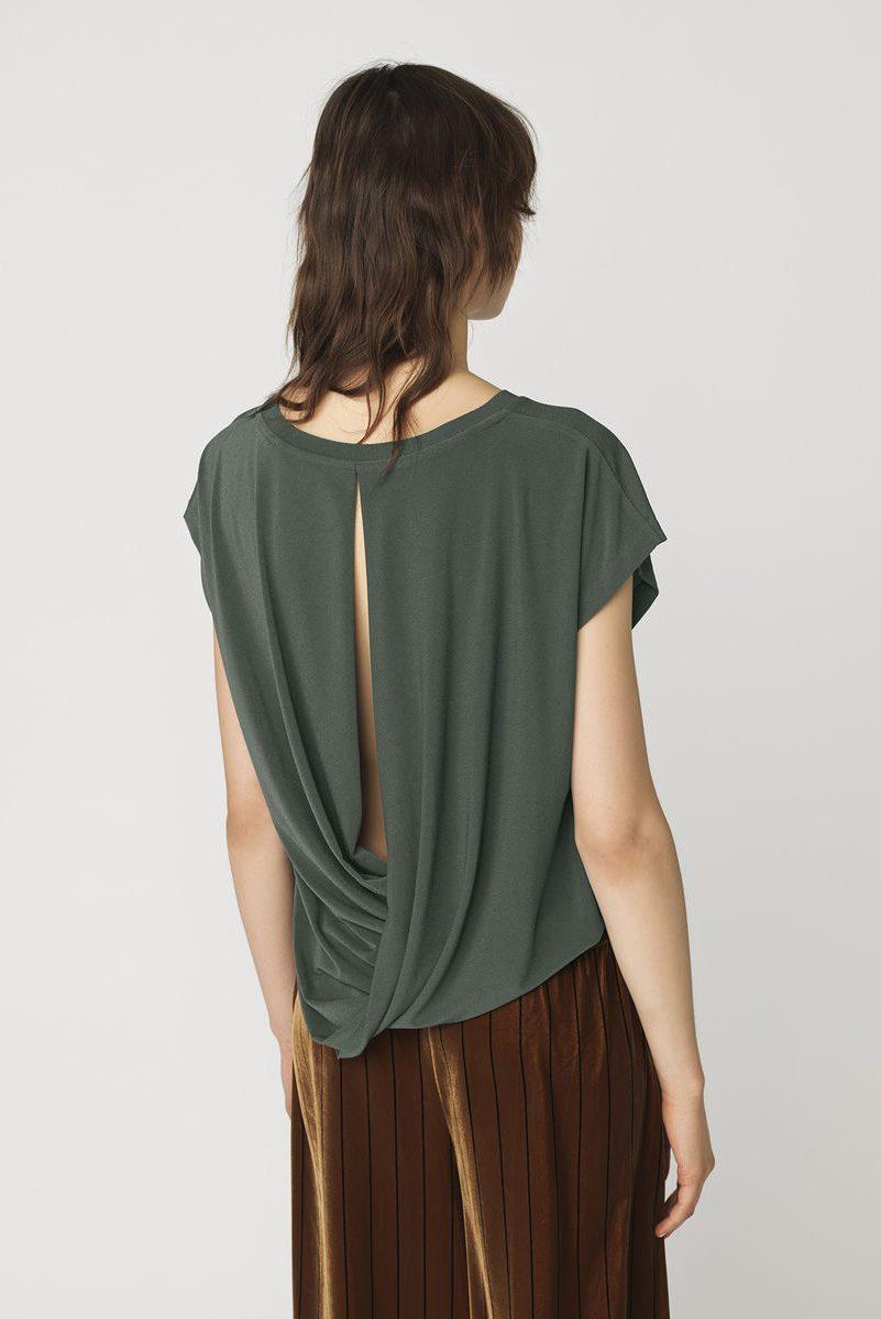 Grågrønn topp med åpen rygg By Malene Birger - Q55597090 senato