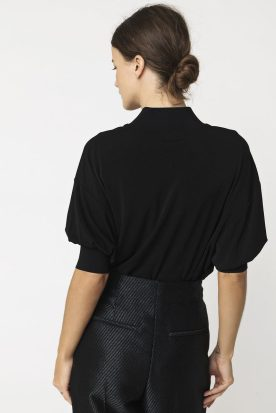 Sort topp med kort poseerm By Malene Birger - BILLUM TOP q55597102