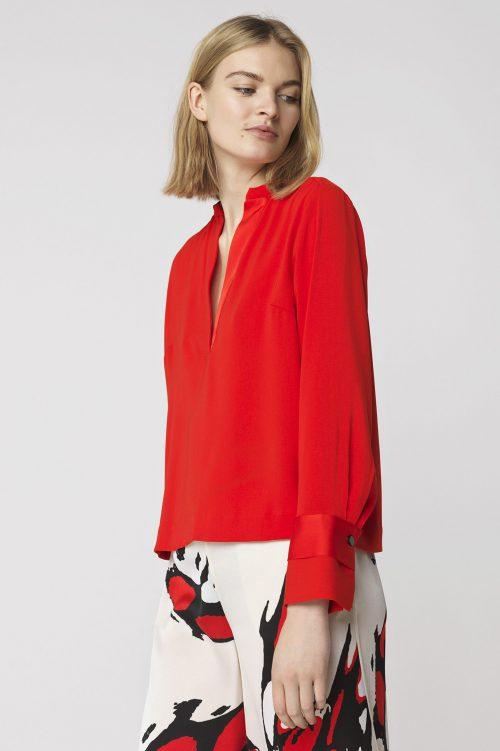 Rød bluse med v-hals By Malene Birger - alijara q61044049