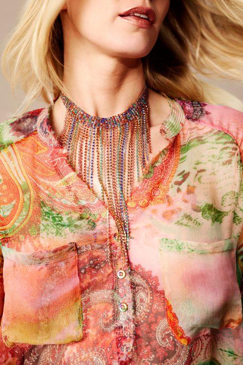 Korallgrønnmønstret chiffon silkebluse med råkant og brystlommer Katrin Uri - 403 festival shirt