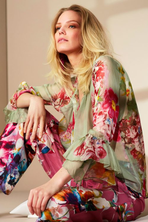 Sjøgrønnrosamønstret bluse med volangerm Katrin Uri - 427 novelle blouse