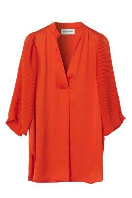 Rød bluse med plisséermer By Malene Birger - sana q62305009