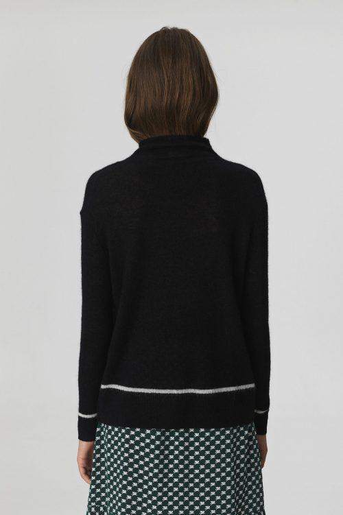 Sort genser med hvit stripe By Malene Birger - YOLANDA-SWEATER-Q65823002_050