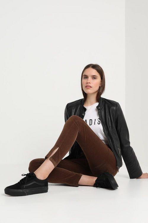 Sjokoladebrun eller beige microcord smal bukse med høyt liv og splitt ved ankel Lois - celia spilt 2227 micro aged 5548 L34