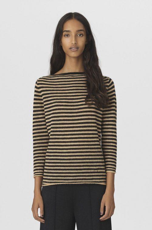 Hvitblå- eller goldsort-stripet alpakkamix genser med båthals By Malene Birger - Yalia sweater Q66195001