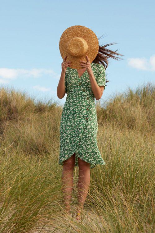 Guccigrønn-mønstret silkemix feminin kjole Katrin Uri