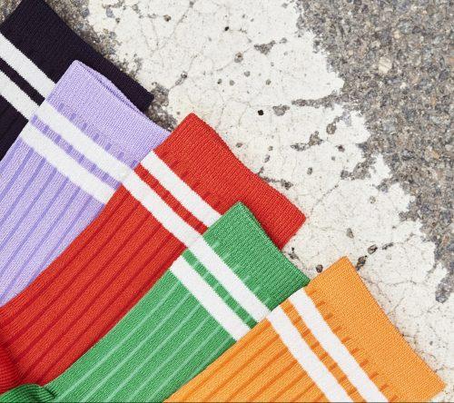 Lavendel, navy, sterk grønn eller rød ankel 'Mara' med striper MP Denmark - 77569