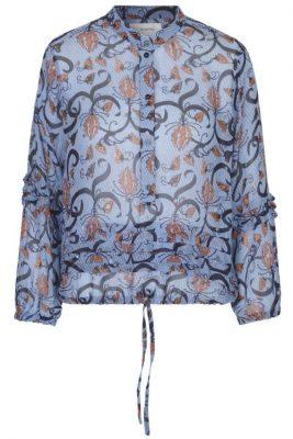 Lyseblå med terrakotta mønster viskose bluse Munthe - anastacia