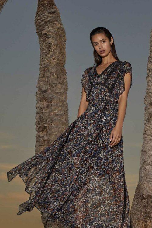 Blåsortmønstret vakker og spesiell lang kjole Nekane - limoux gb