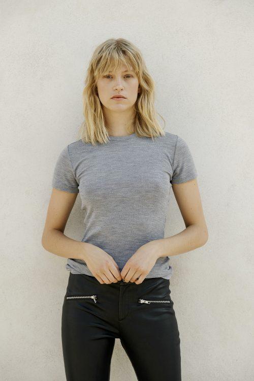 Light grey eller sort ull t-shirt Gestuz - wilma tee 2767