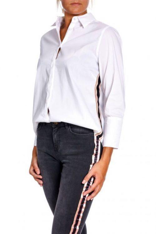 Hvit bomullsskjorte med sortcamel-bånd i siden Mos Mosh – 129050 larina ribbon