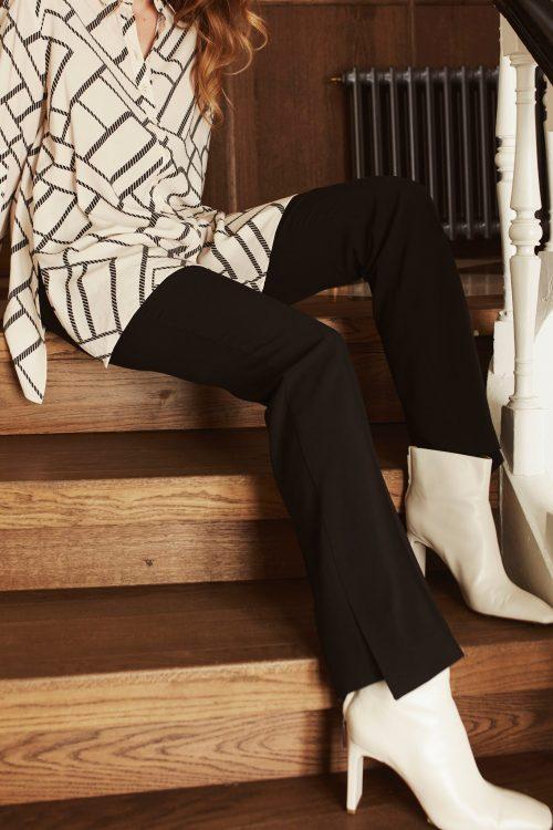 Sort bukse med splitt Katrin Uri - 114 agnes trouser