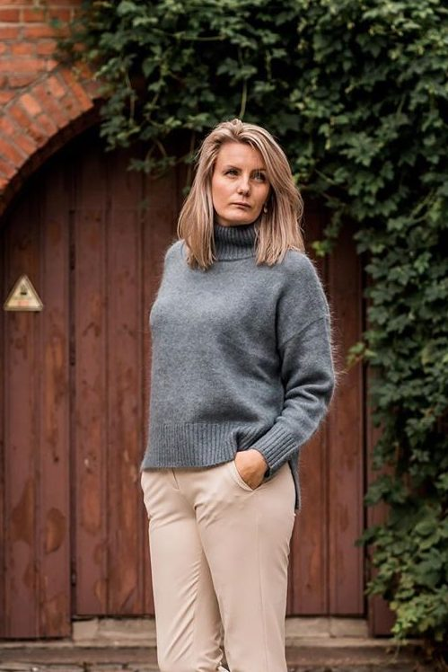 Dueblå mohair/merino crew neck genser One & Other - nellie turtle
