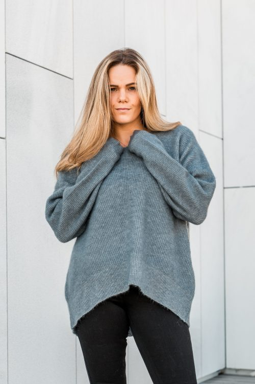 ONE & OTHER Monaco Mohair V-Neck Dove Blue - Sesong FW19