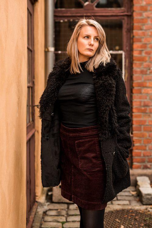 Krem eller sort fake saueskinnsjakke som er vendbar Beaumont Amsterdam – bm55.20.193