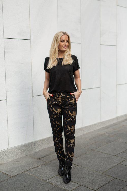 Sort bukse med blomsterdetaljer i gull Mos Mosh - 130770 Tuxen Gold pant