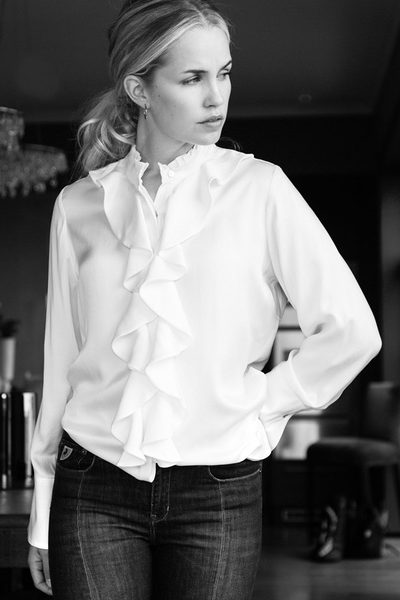 Offwhite silkebluse med ruffles Amuse by Veslemøy - 5111
