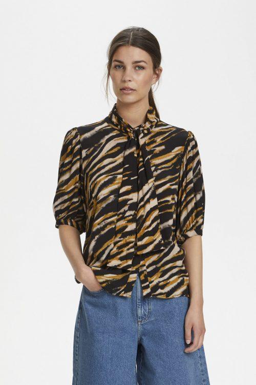 Tigerstripet viskose skjorte med knyting Gestuz - tia