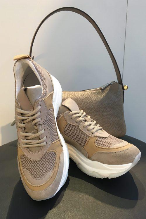 Sand kalveskinn sneakers Shoe Biz - Rad Veske - Decadent Copenhagen
