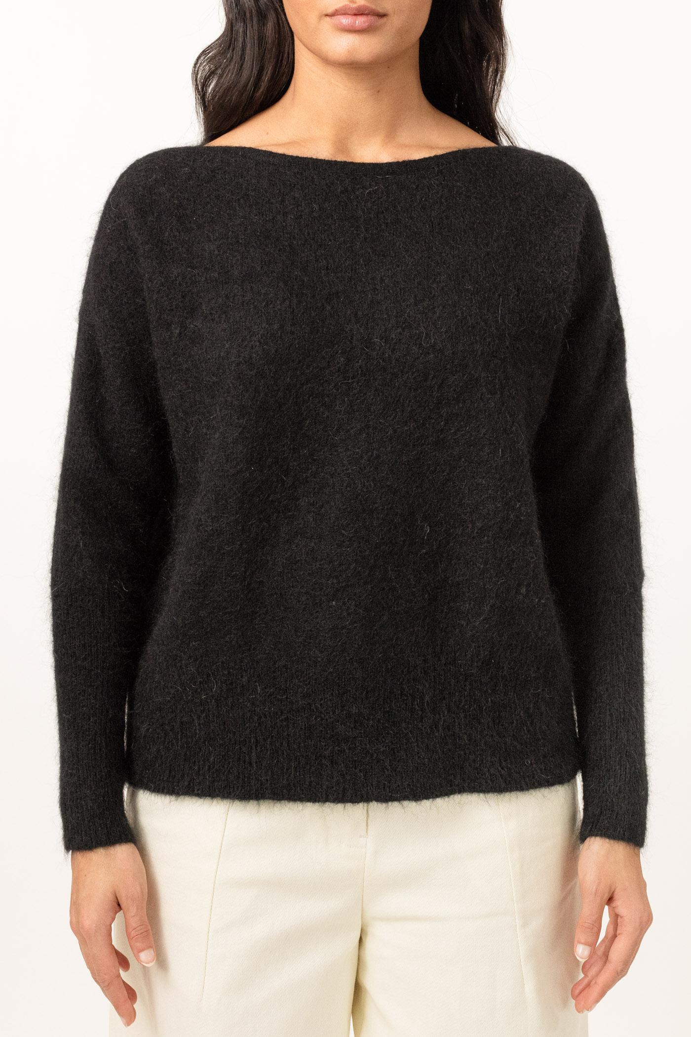 Lys beige eller sort soft mohair genser med båthals Cathrine Hammel - soft wide crewneck