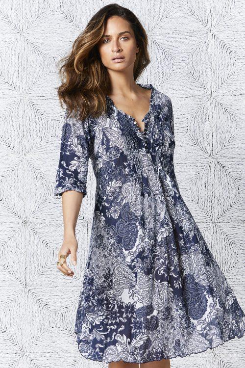 Hvitblåmønstret bomull kjole OneSeason - faro middy poppy
