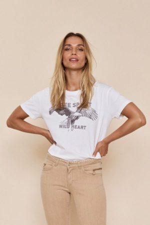 Hvit t-shirt med 'free spirit' Mos Mosh - 139310 taimi tee