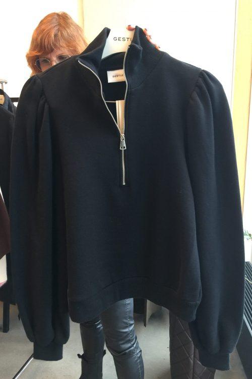 Sort feminin organisk bomull jersey topp med zip og puffermer Gestuz - nankita zipper sweatshirt