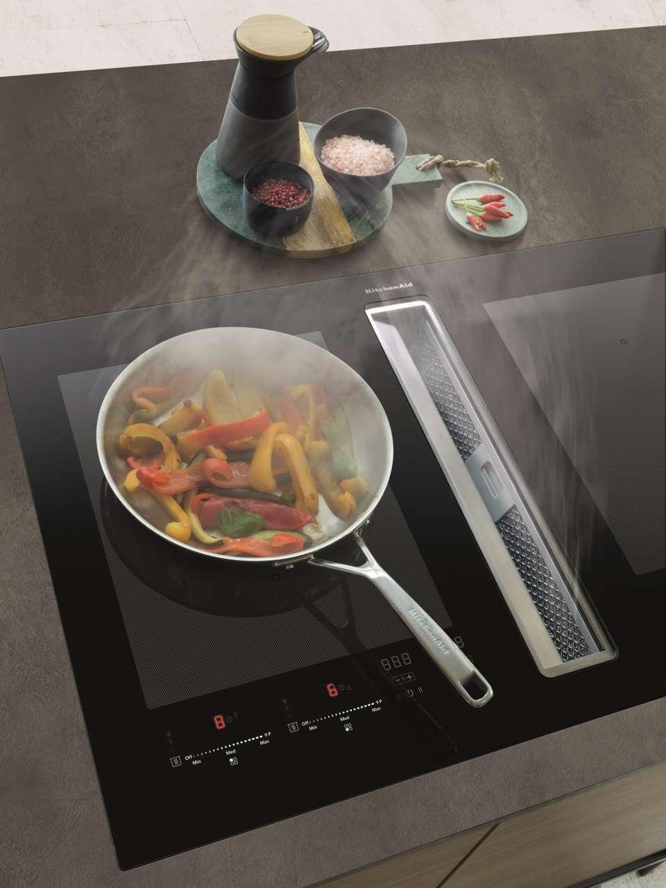Cucina A Induzione Con Cappa Integrata Dettaglio Top Cucina E