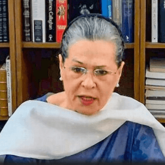 "Sonia launches ""Nyay scheme"" for farmers in Chhattisgarh"