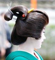 5 hairstyles worn