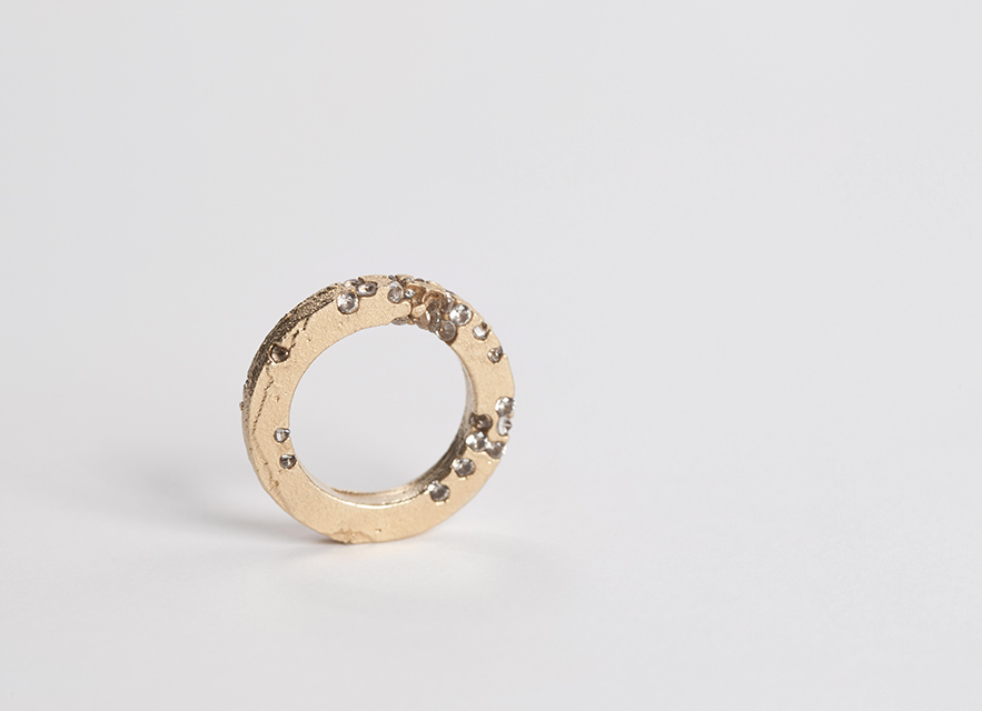 ring, 2013 : gold, synthetic sapphire