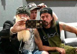 Josh Homme está gravando Queens of the Stone Age com Dave Grohl e Billy Gibbons   Música   Revista Ambrosia