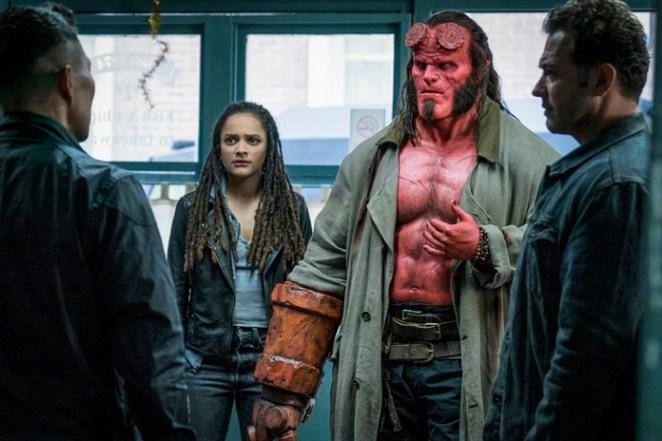 """- HB D010 02554 R - """"Hellboy"""" versão 2019 perde a chance de criar uma nova franquia para o personagem"""