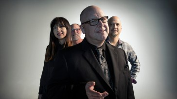"Pixies lança música e anuncia seu novo disco ""Beneath the Eyrie"" | Discos | Revista Ambrosia"