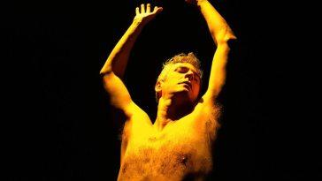 Cia Teatro Inominável estreia o monólogo Yellow Bastard no CCBB RJ | Agenda | Revista Ambrosia
