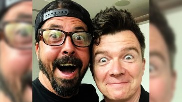 Dave Grohl e Rick Astley surpreendem com 'Never Gonna Give You Up' em clube londrino | Foo Fighters | Revista Ambrosia