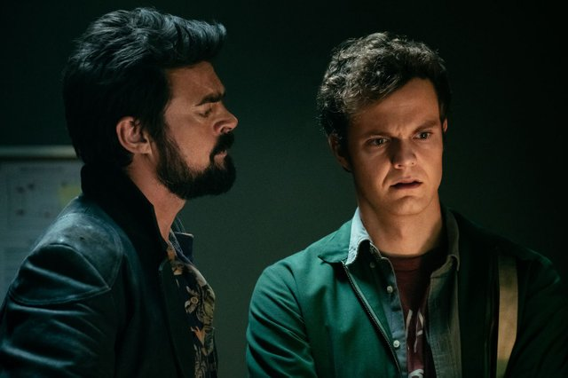"""The Boys"" surpreende e subverte a lógica do gênero na TV | Séries | Revista Ambrosia"