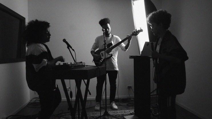 Tuyo, Baleia, Marrakesh, Vivian Kuczynski, Bruna Mendez e DVA lançam sessions   Música   Revista Ambrosia