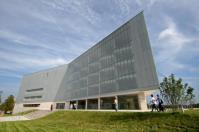 A Tudásközpont épülete egy hajóra emlékezteti a látogatót