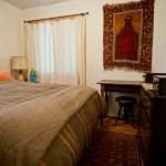 Oregon-Yoga-retreat-Play-farm-bedroom-1