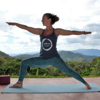 yoga-retreat-nicaragua-cloud-forest-autumn-adams