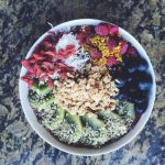 goji-blueberry-raspberry-kiwi-smoothie-bowl