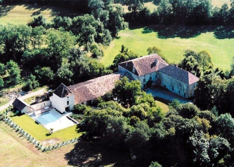 womens-luxury-yoga-retreat-france-chateau