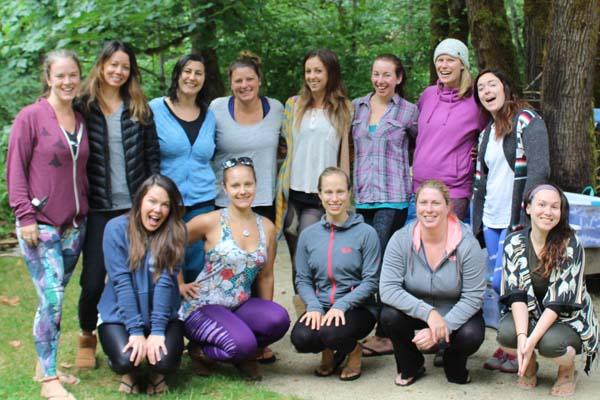 womens-yoga-retreat-oregon-group