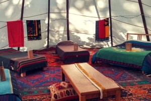 yoga-retreat-tipi-dorm-oregon